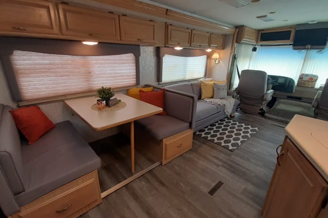 1999 Winnebago Chieftain available for rent in Centerville IA