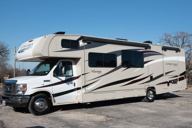2017 Coachmen Leprechaun available for rent in Fort Worth TX