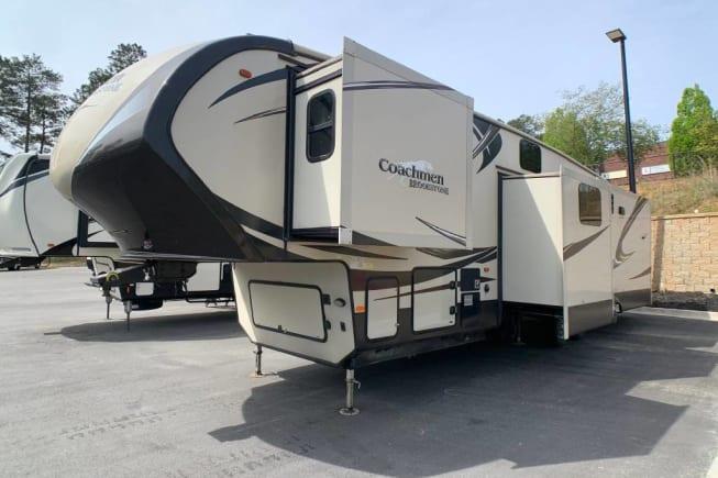 2015 Coachmen Brookstone available for rent in Mesa AZ