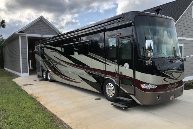 2013 Tiffin Motorhomes Allegro Bus available for rent in Fort Worth TX