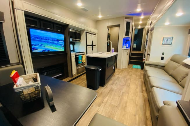 2021 Jayco 31MB available for rent in Jacksonville TX