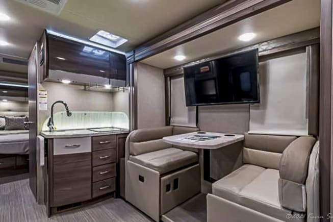 2020 Thor Motor Coach Other available for rent in Mansfield TX