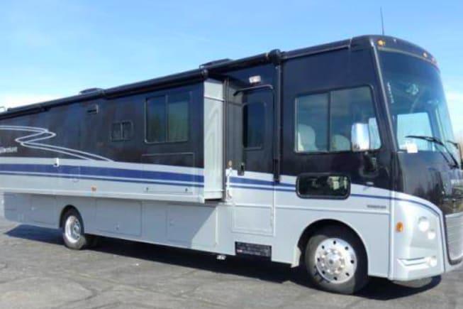 2021 Winnebago Adventurer available for rent in Dunnellon FL
