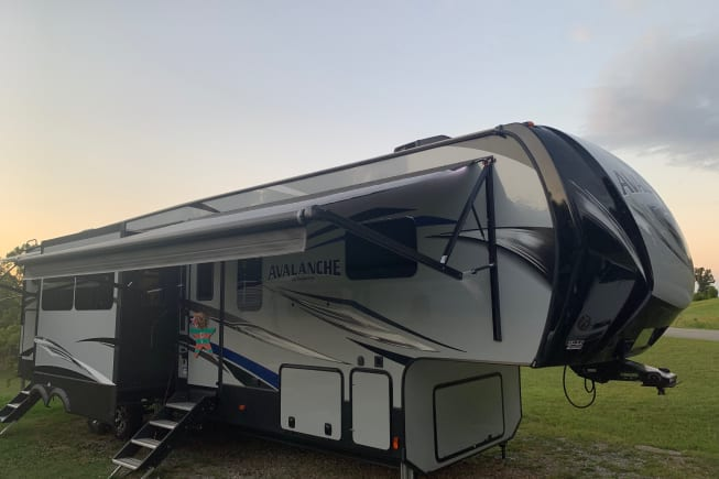 2019 Keystone Avalanche available for rent in Knoxville TN