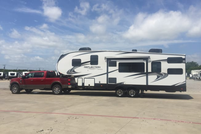 Reflection 150 Series towable 5th wheel