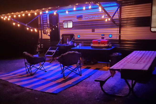 Ourdoor rug and Griddle with table available for use. Dont forget to bring your outdoor seating to enjoy the camping experience