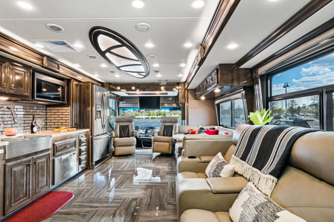 2020 Fleetwood Discovery available for rent in Tampa FL