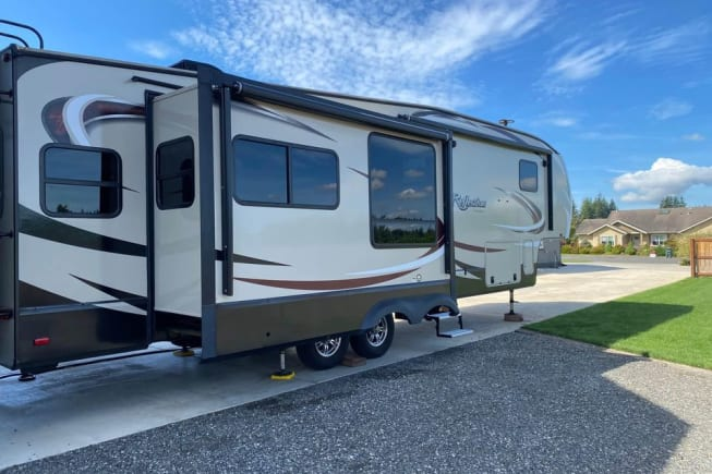 2018 Grand Design Reflection available for rent in Bellingham WA