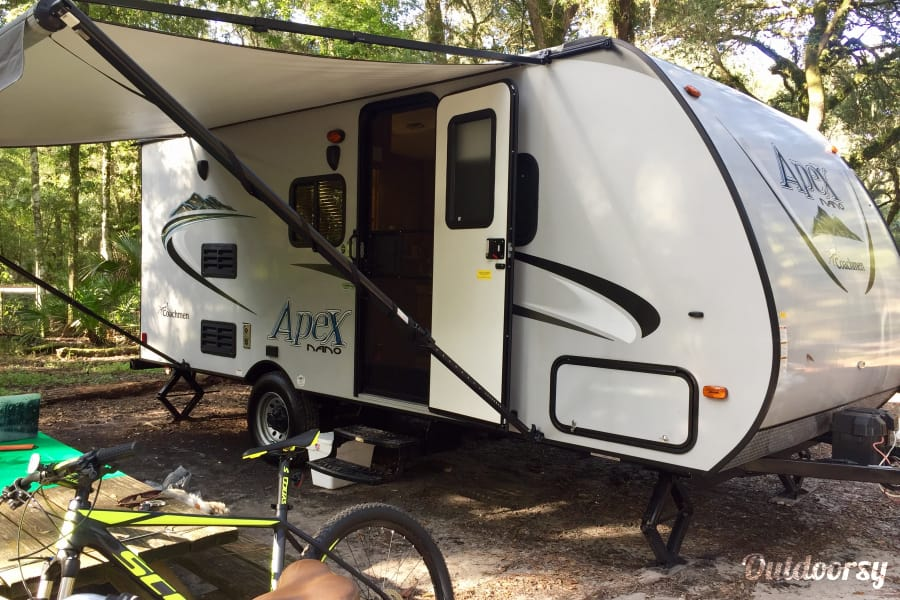 exterior 2016 Coachmen Apex Ultra-Lite - Light Weight Easy Tow & Sleeps 4! Delivery and Setup Available! Tampa, FL