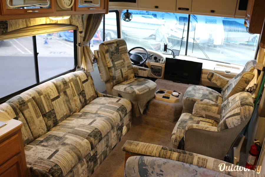2001 Thor Motor Coach Hurricane Marina Del Rey, CA Living room, couch, captains chairs