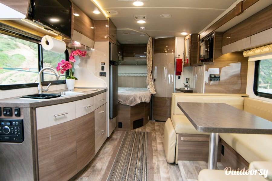 2017 Model J (Los Angeles) - Mercedes Winnebago Navion Los Angeles, CA