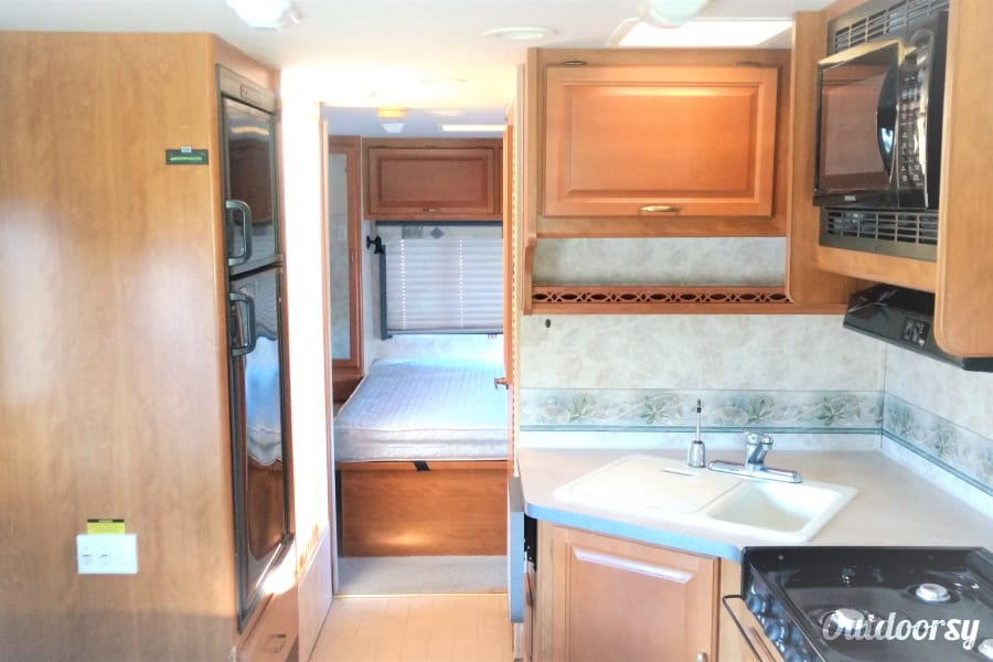 Usa Auto Insurance >> 2004 Fleetwood Tioga 29V Motor Home Class C Rental in Frankfort, KY | Outdoorsy