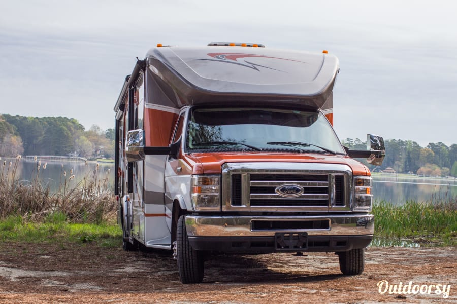 exterior The Cambria - 2014 Winnebago Itasca Lithia Springs, GA