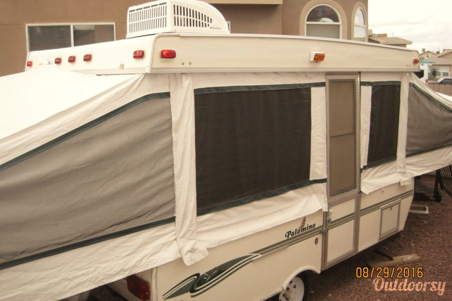 "exterior 22"" 2000 Palomino Pop Up Fold Out Camper with AIR CONDITIONING, TV, DVD Player and optional generator for a small fee! El Paso, TX"