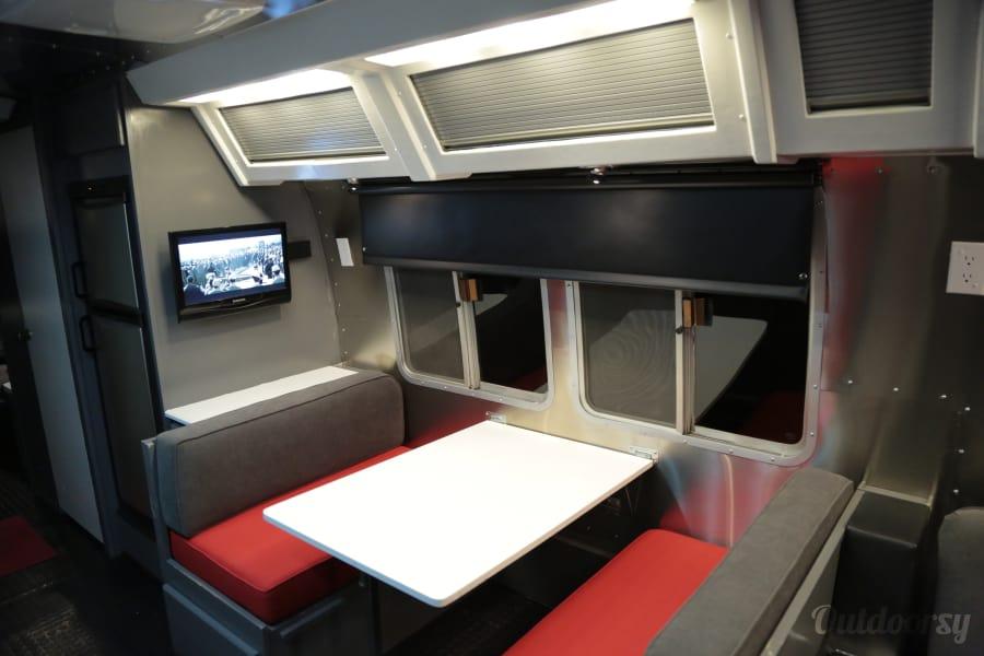 interior Airstream 345 Motorhome Bayside, Wisconsin