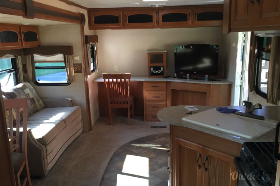 2012 Keystone Sprinter Denver, North Carolina Large living area with tv