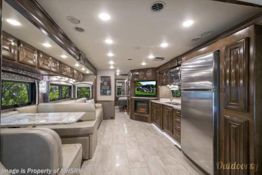 interior 2017 Thor Motor Coach ARIA 3601 Arvada, CO