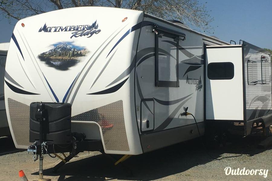 exterior 2016 Outdoors Rv Manufacturing Timber Ridge Folsom, California