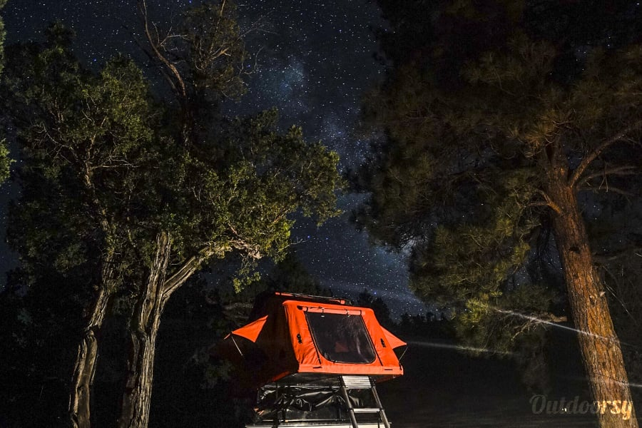 Sedona Excursion Trailer Sedona, Arizona Sleep under the stars and above the ground! The Tepui tent is ruggedized to keep the elements out when it's windy or rainy and has a versatile canopy that can open up for star gazing on clear nights.