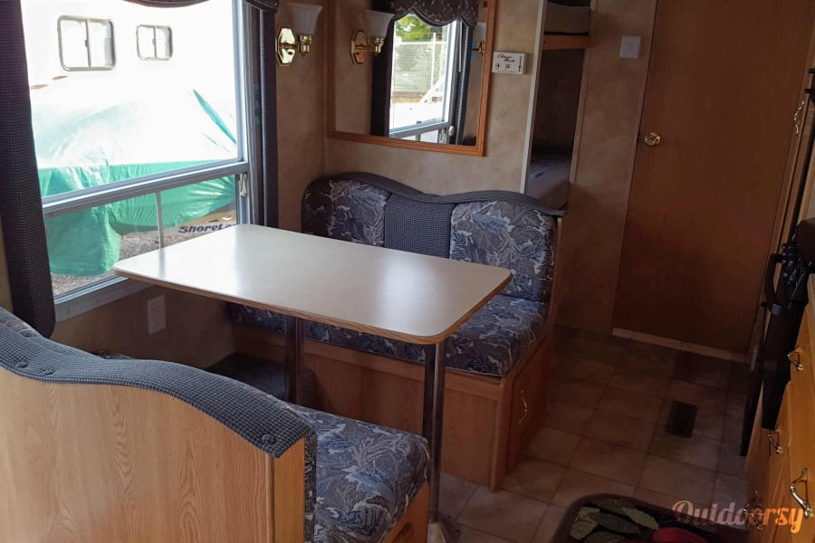 The Blue Hornet Pekin, IL Dinette table converts to a bed
