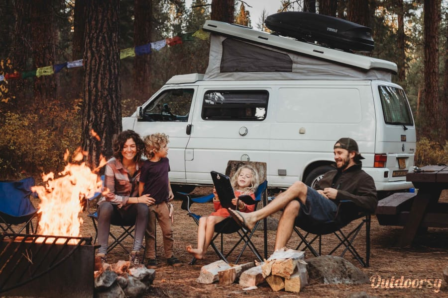 Grand Ronde: Eurovan Camper Portland, OR