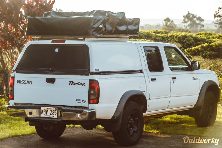 """exterior Nissan Frontier """"Hula Girl"""" Lihue, HI"""