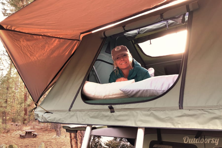 Emmylou: Honda Element w CVT Rooftop Tent Bend, OR