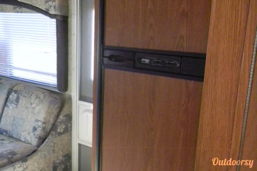 interior 2004 Thor Motor Coach Chateau Lakewood, CO