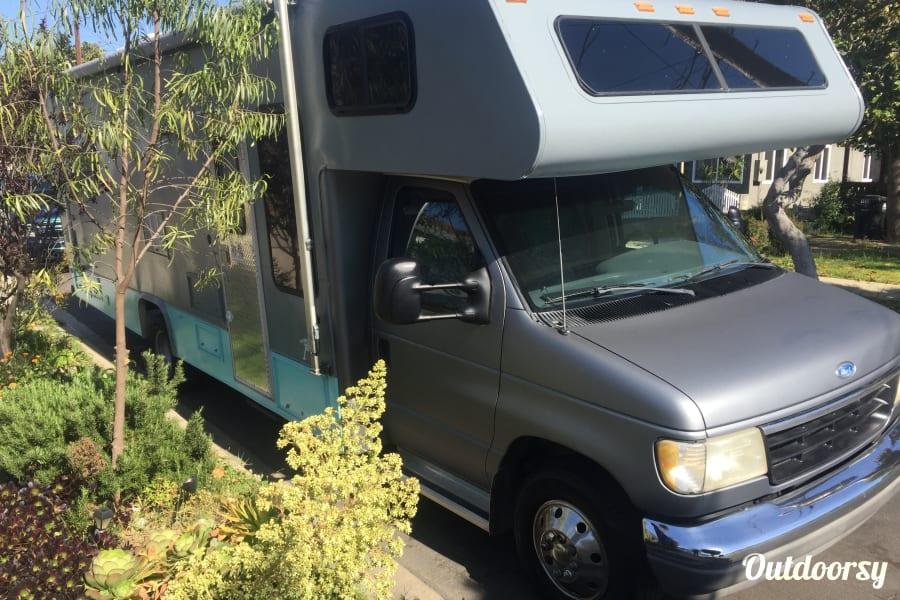 exterior Custom Coachmen Leprechaun Torrance, CA