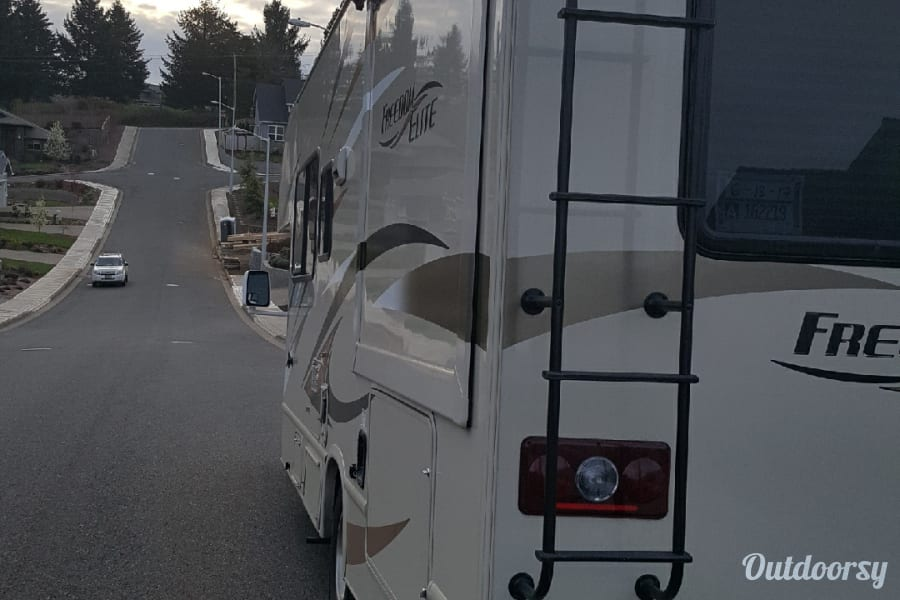 exterior 2017 Ford motor coach Salem, OR