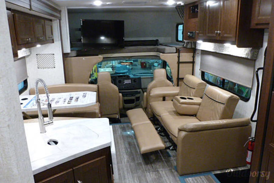interior 2018 Forest River Sunseeker West Chester, OH
