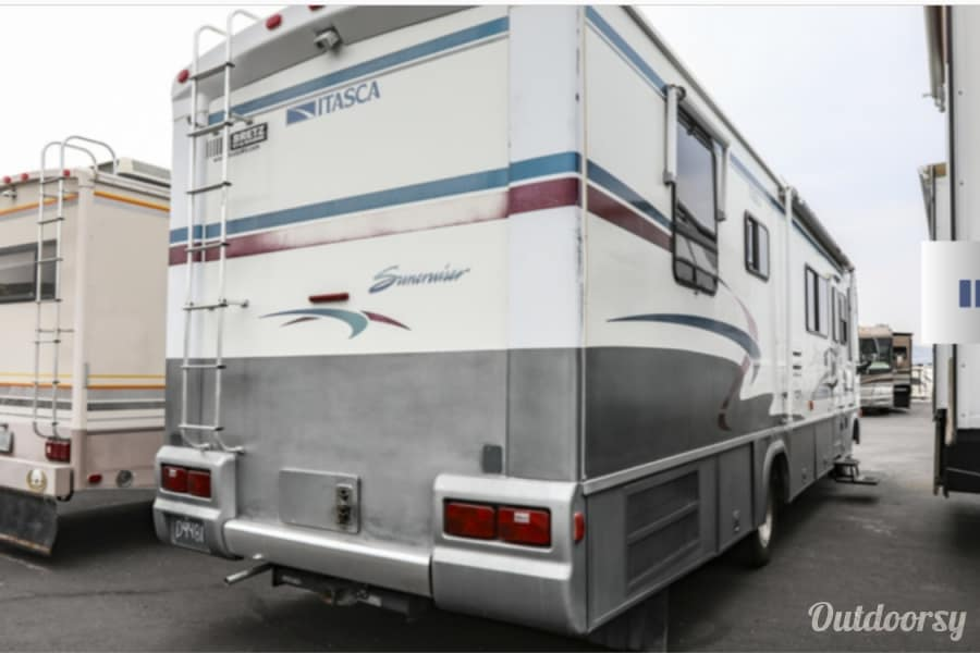 exterior 2000 Itasca Suncruiser Billings, MT