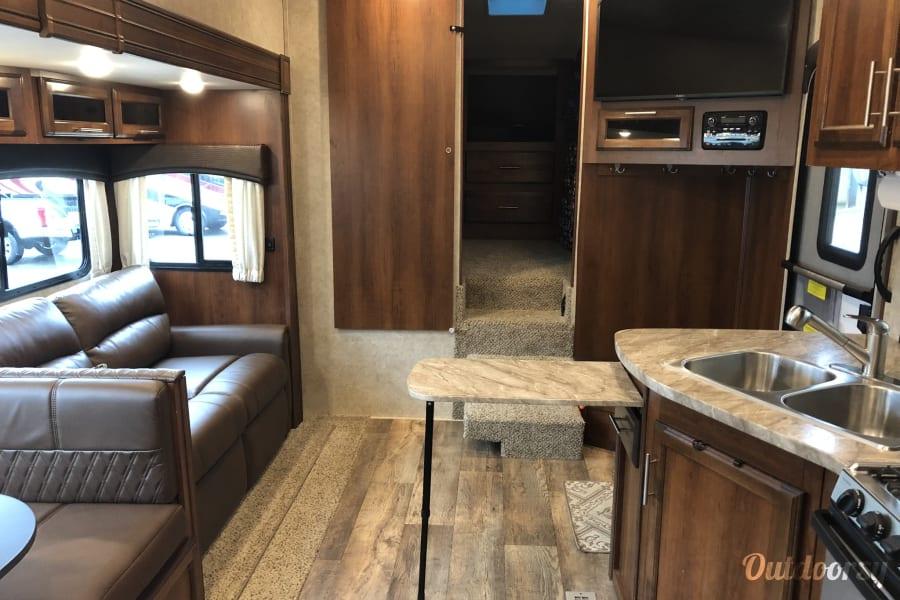 interior 2018 Jayco Eagle Springfield, VA