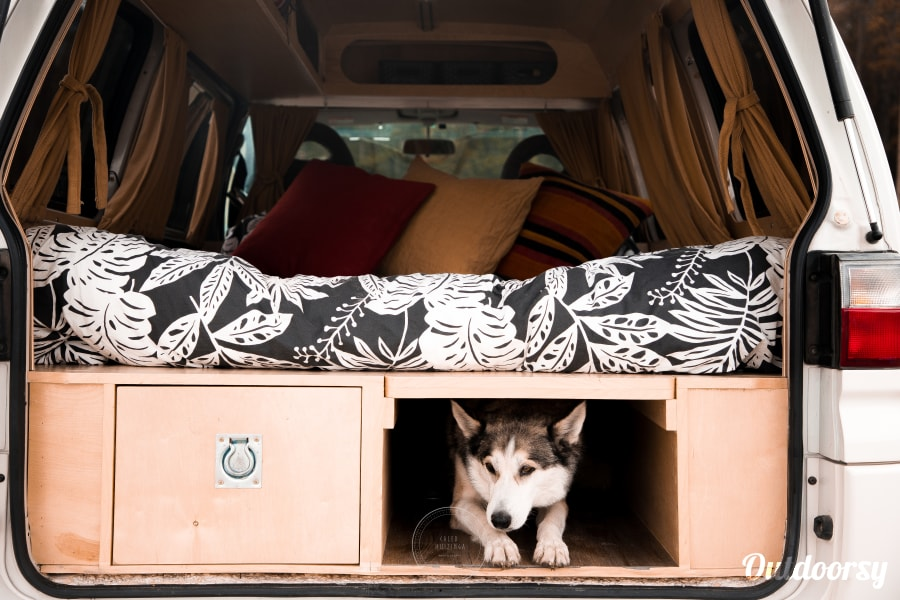 Janis the Mitsubishi Delica 4x4 Campervan Canmore, AB