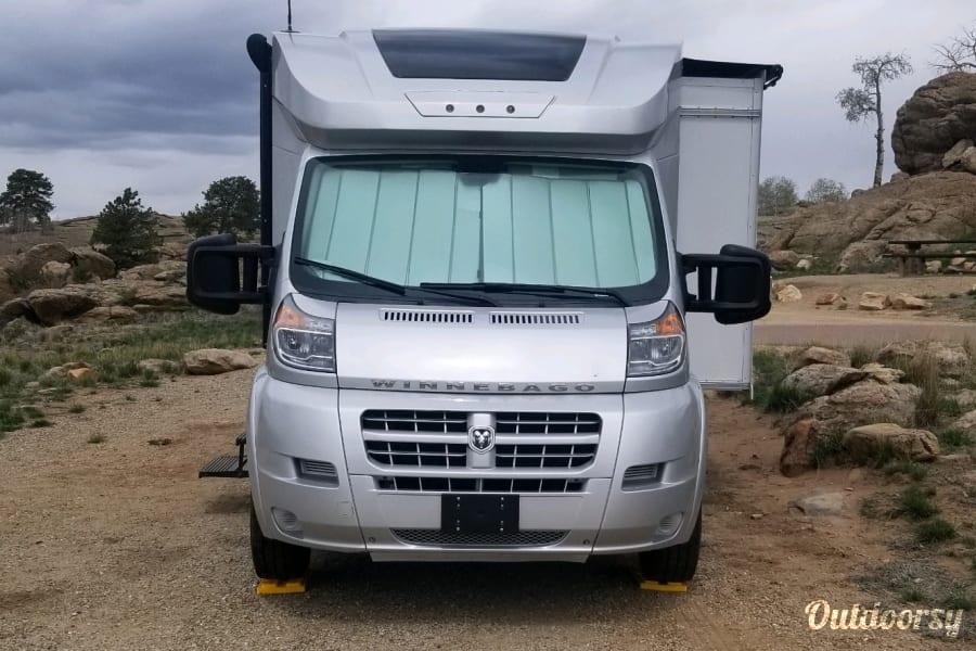 exterior Luxurious CLEAN 15-17MPG Fuel Efficient Mountain Escape Colorado Springs, CO
