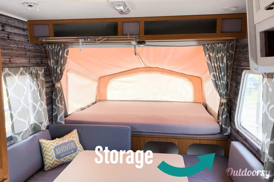 interior Cozy Kiwi With Space For Everyone Elizabeth, CO