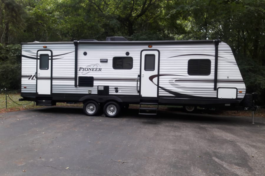 30ft Heartland Pioneer with 27ft of living space.