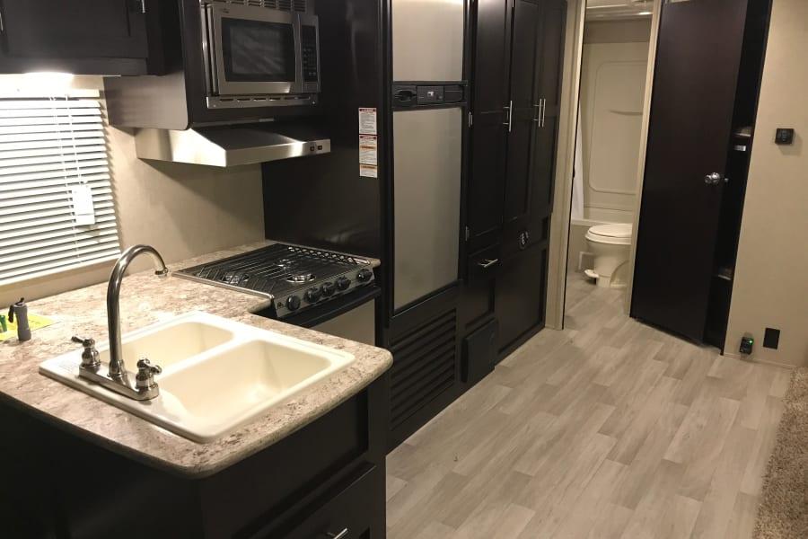 Beautiful spacious kitchen!