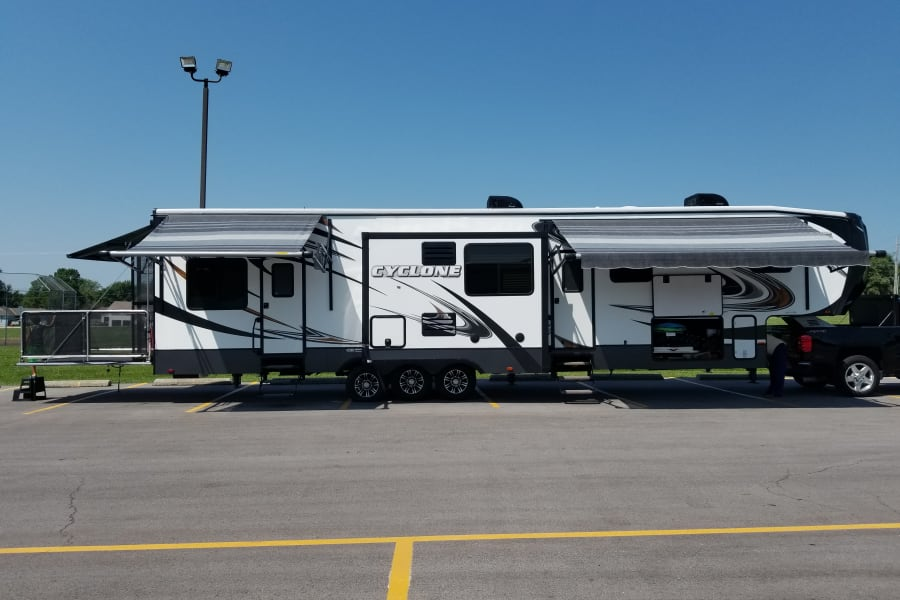 Fun, spacious toy hauler with an outside deck!  Room for your toys also or a play room for the kiddos!
