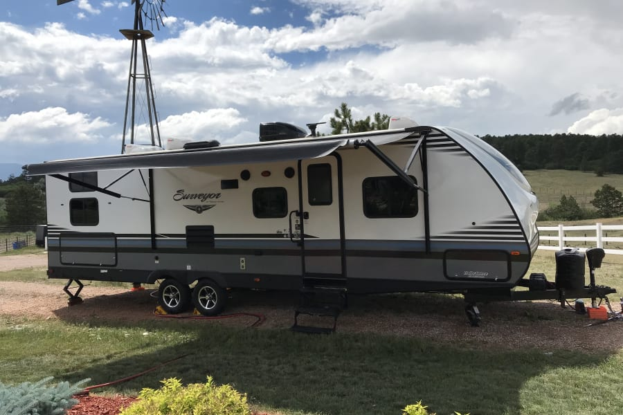 Starboard side w/ awning extended