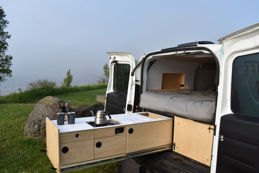 Easy pull out kitchen, and electric plug ins on the side of the bed.