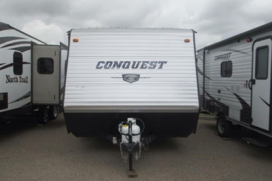 Go anywhere with all the conveniences of home with the Conquest!