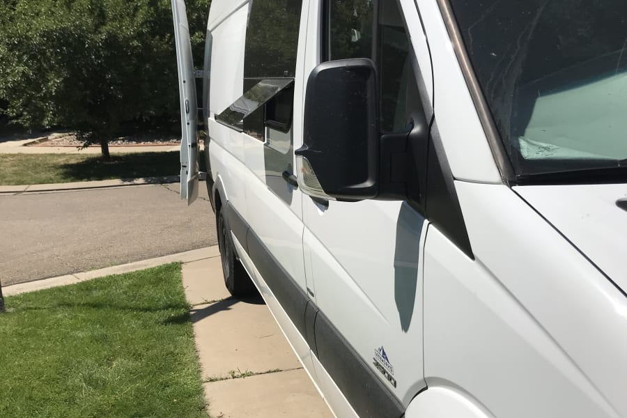 Slider door vent window, to let fresh air in.