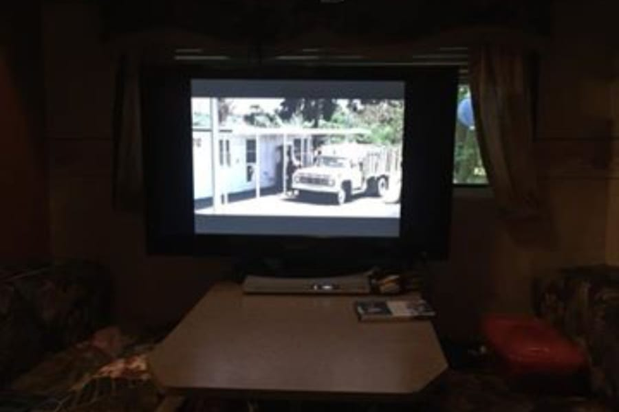 """42"""" flat screen tv with DVD player"""