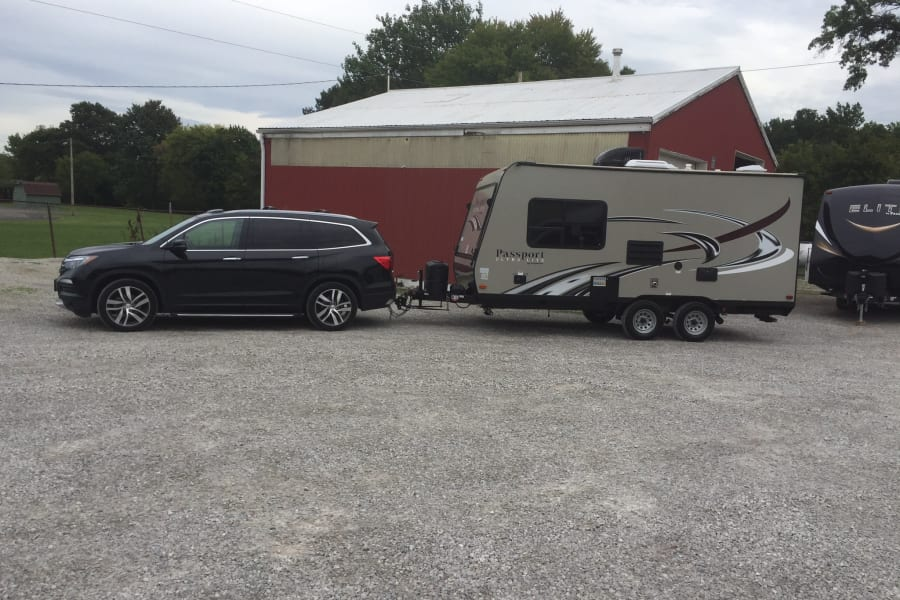 Easy to tow. Although towing experience required.