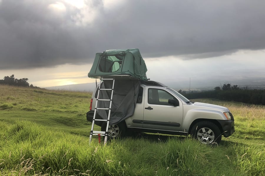 """Our """"Kekoa"""" (from hawaiian """"the brave one"""") 4WD nissan xterra with Tepui tent for two"""