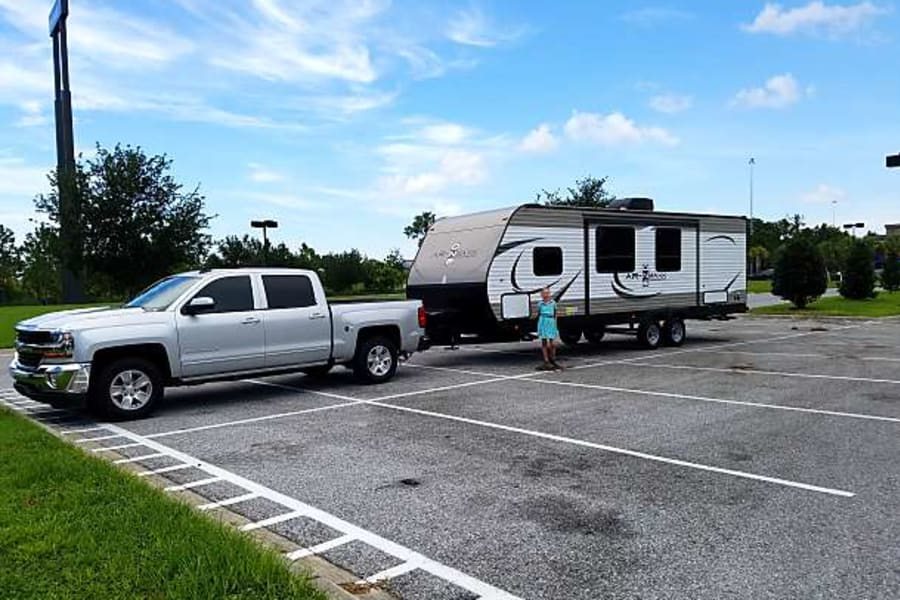 30 foot, easy to tow. Sway bar included with rental.  Or deliver up to 50 miles from Bradenton Florida.