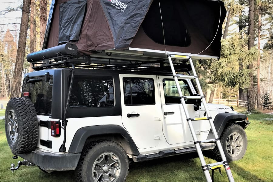 You get the best of both worlds with our Bigsky Package, we will provide you with a Jeep Rubicon and Roof Top Tent that can sleep 2 adults and two children. Easy setup (under 1 minute) and easy to close (1 minute)