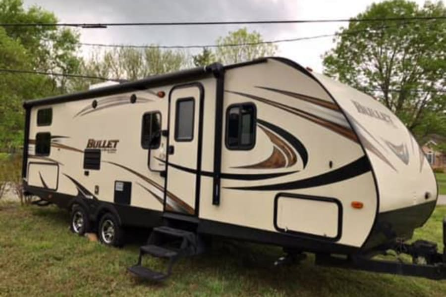 Large Camper with tons of room for relaxing!