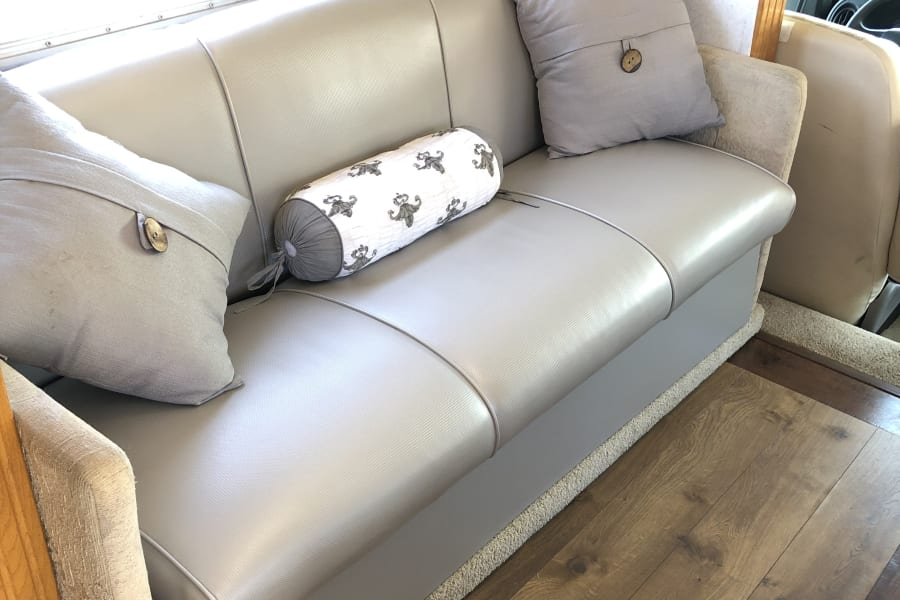 Jackknife sofa - So easy to convert to a double bed (linens included). beautiful new upholstery on all sofas just replaced.